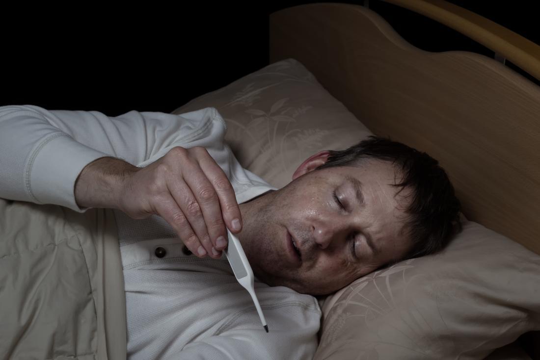 Симптомы ВИЧ у мужчин могут быть гриппом и лихорадкой